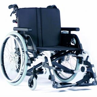 odľahčený skládací invalidný vozík nosnosť 170kg